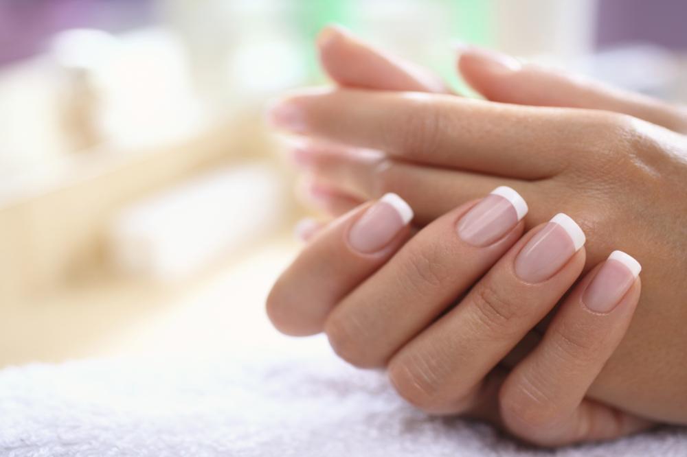 Ухоженные здоровые ногти