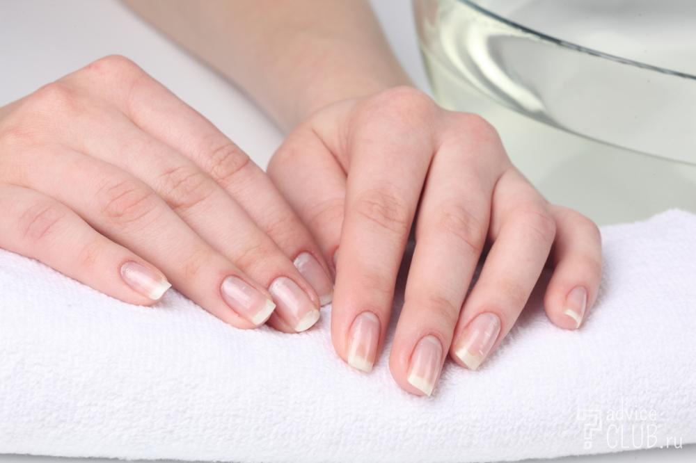 Полоски на ногтиях